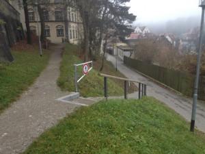 Treppenanlage mit Verschlußoption